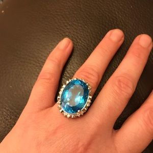 Jewelry - Stunning 34.50 natural topaz rind sold 14k